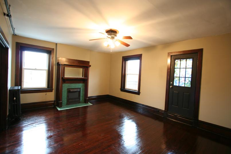 LARGE 2 BEDROOM APARTMENT GREENSBURG PA NEAR LECOM