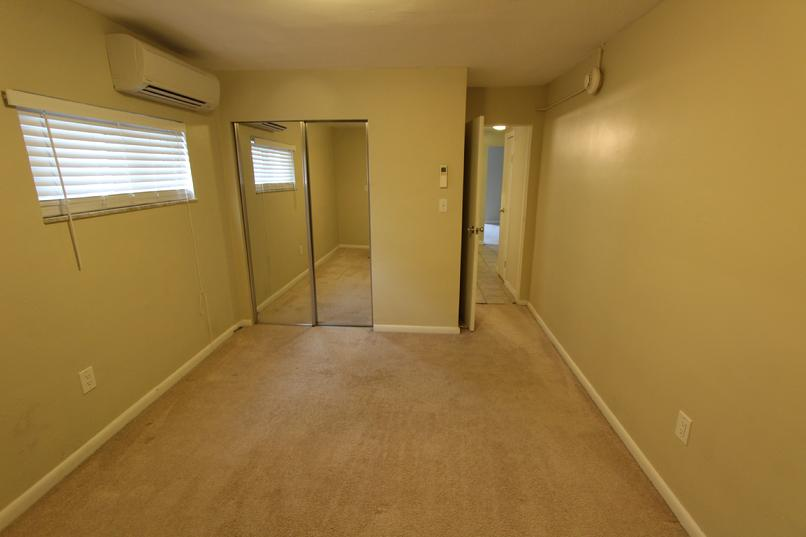 LUXURY 1 BEDROOM APARTMENT FOR RENT GREENSBURG PA NEAR LECOM AND HOSPITAL